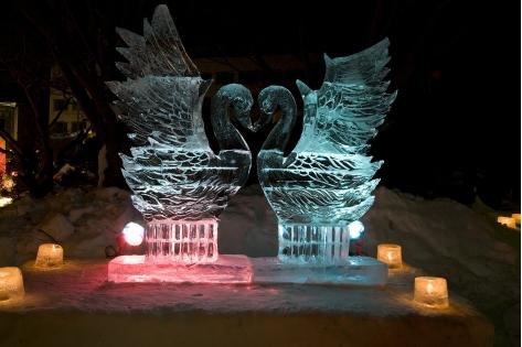 光と氷のオブジェ